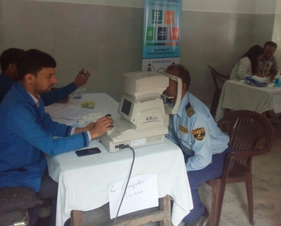 Over 100 people attend free eye checkup camp in Dwarka