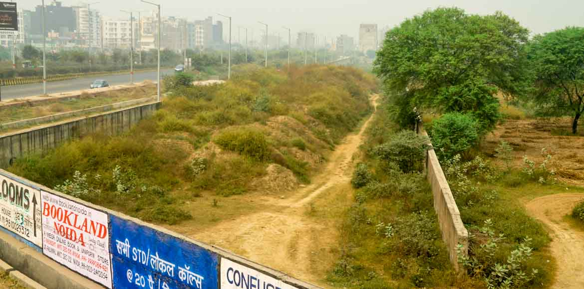 First postcards, now protest march against Noida Sector 123 dumpsite
