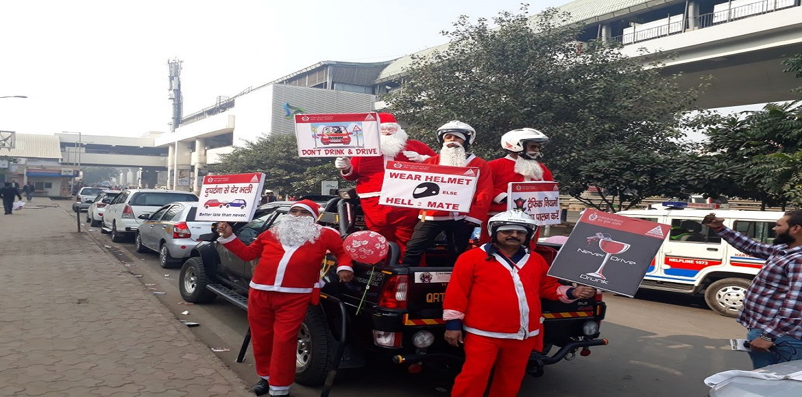 These Santas in Gurgaon cautioned against drunk driving
