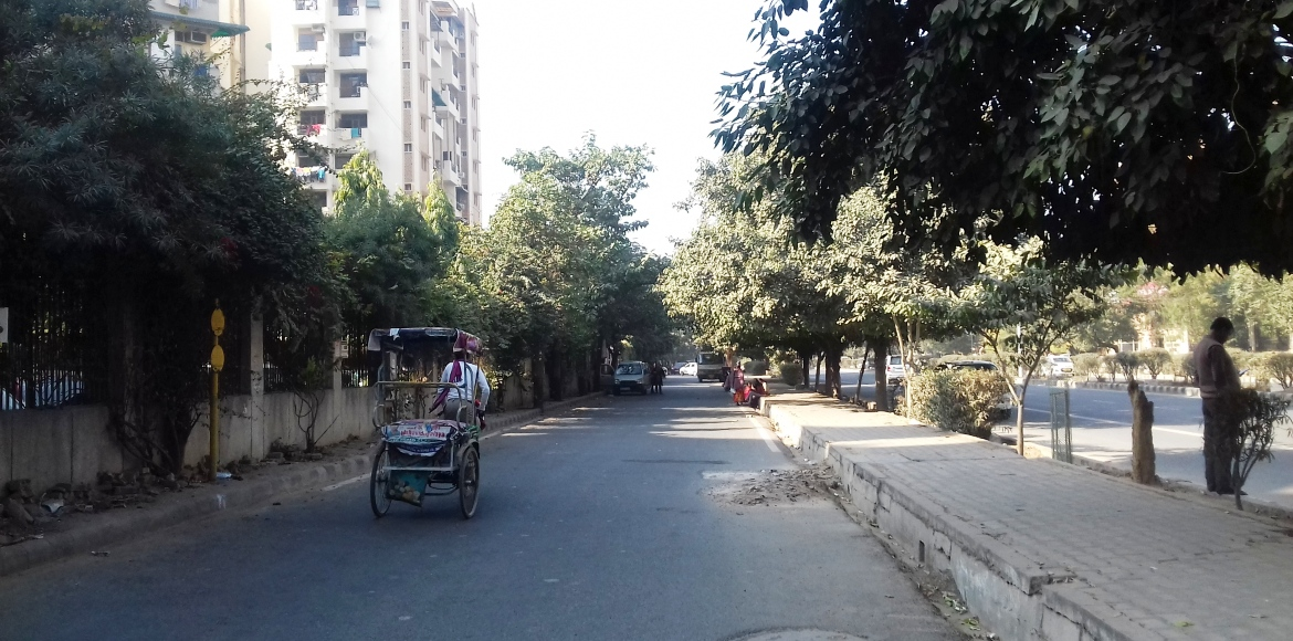 Dwarka: RWAs can instal a few streetlights, but what about a concerted plan?