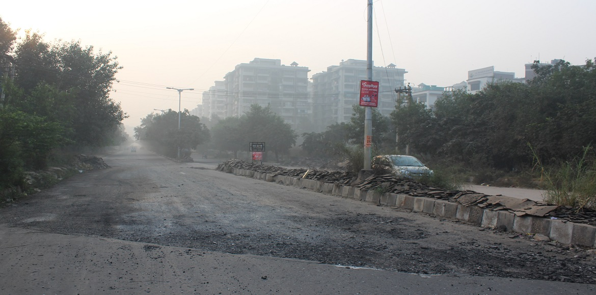 If you are in Dwarka Sector 11, try not to take this road!