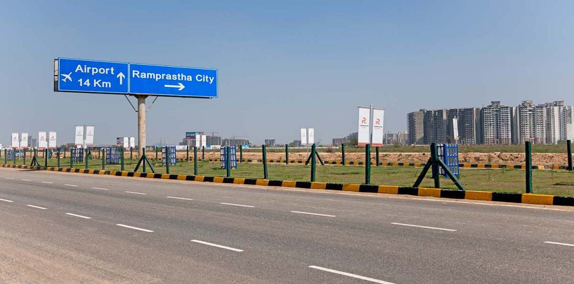 HUDA razes seven illegal houses for Dwarka Expressway project