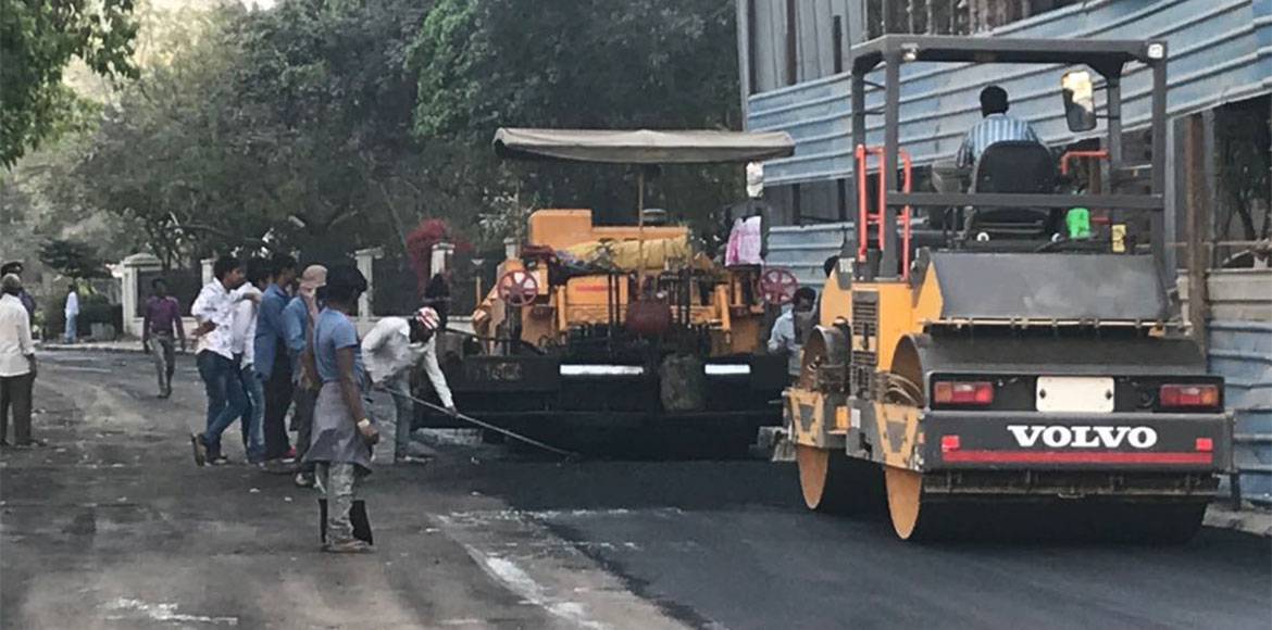 DLF Ph IV: Realtor recarpets arterial road for the first time in 15 years!