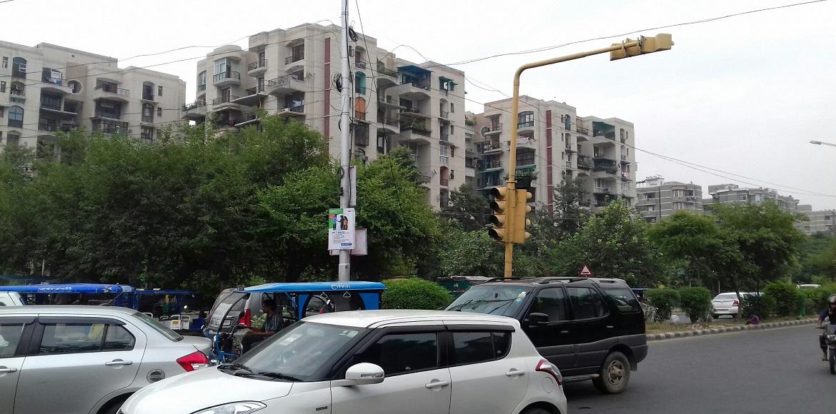 Dwarka: Residents miffed as faulty signals plague traffic at many places
