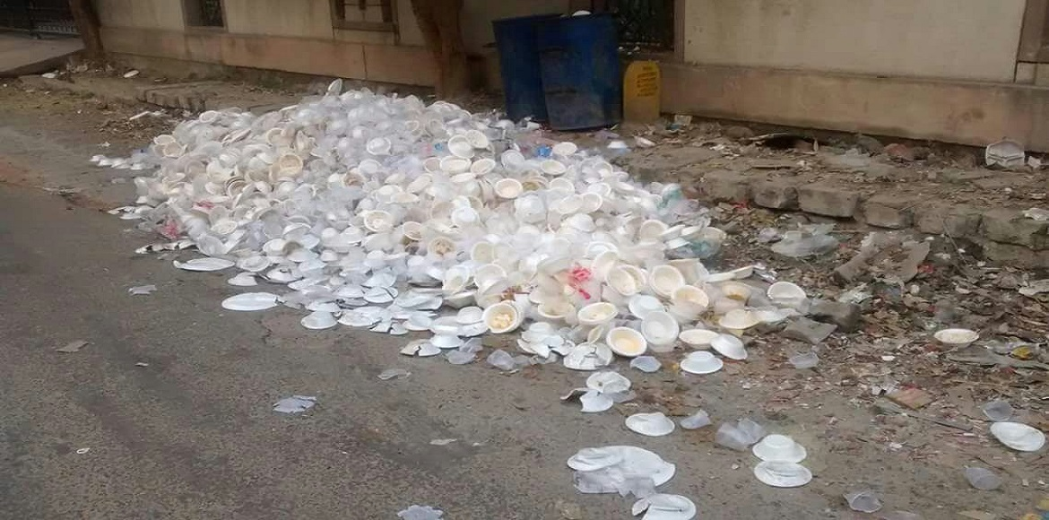 People fear health hazards as used disposable plates ubiquitous in Dwarka