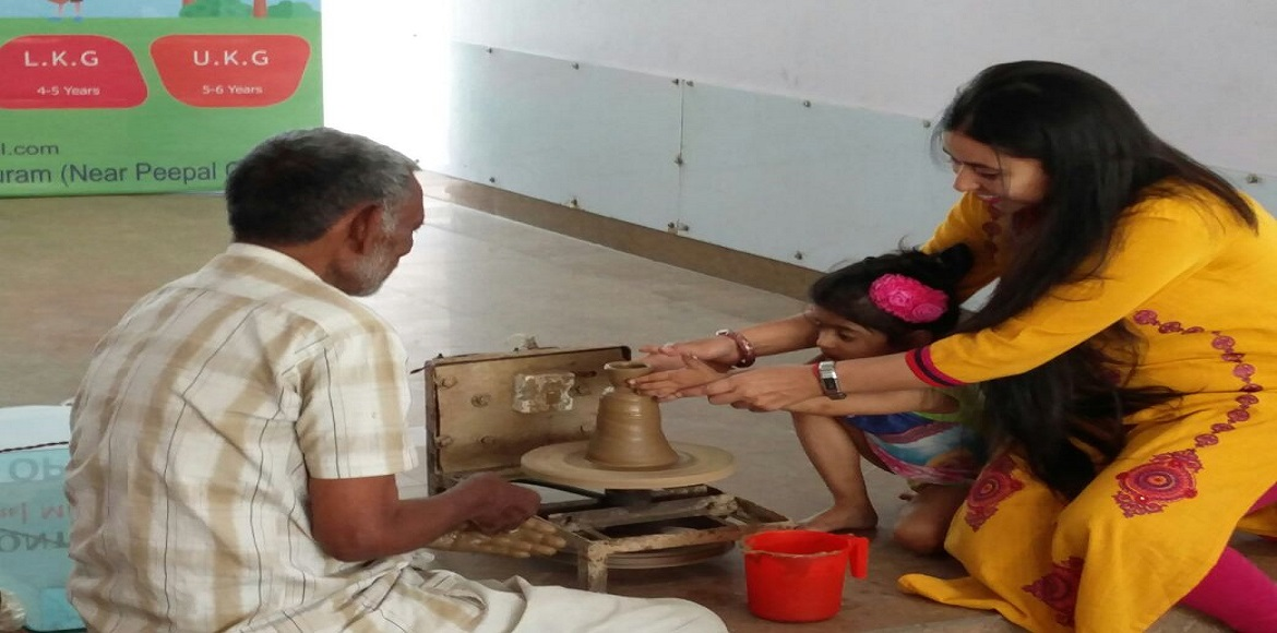On Earth Day, tiny tots in Indirapuram learn to make clay pots and vessels