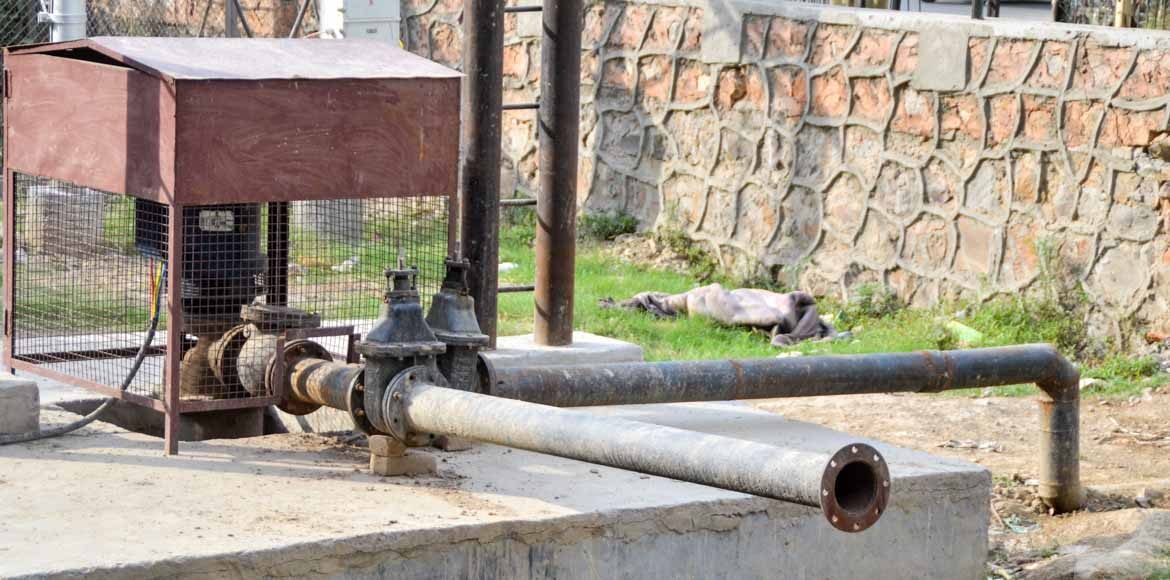 Residents demand booster pumps, borewells as water