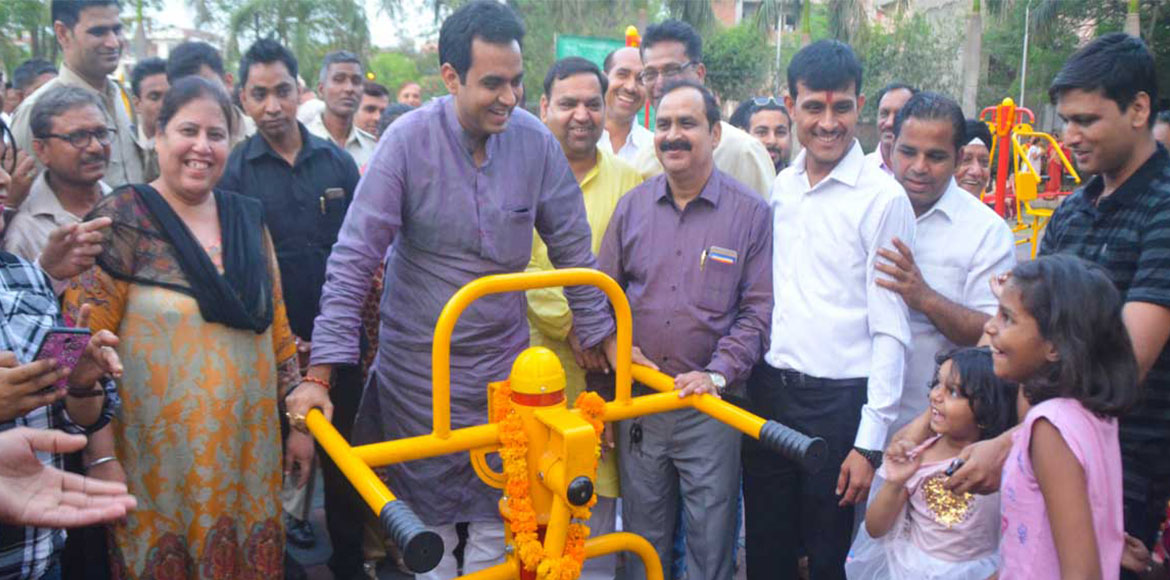 Noida MLA Pankaj Singh inaugurates open-air gym in city