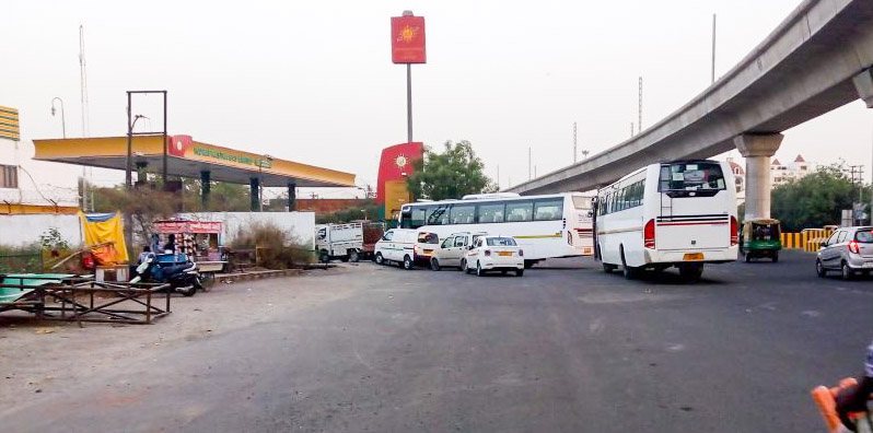 Noida: Pumps now to maintain queue discipline, or face action