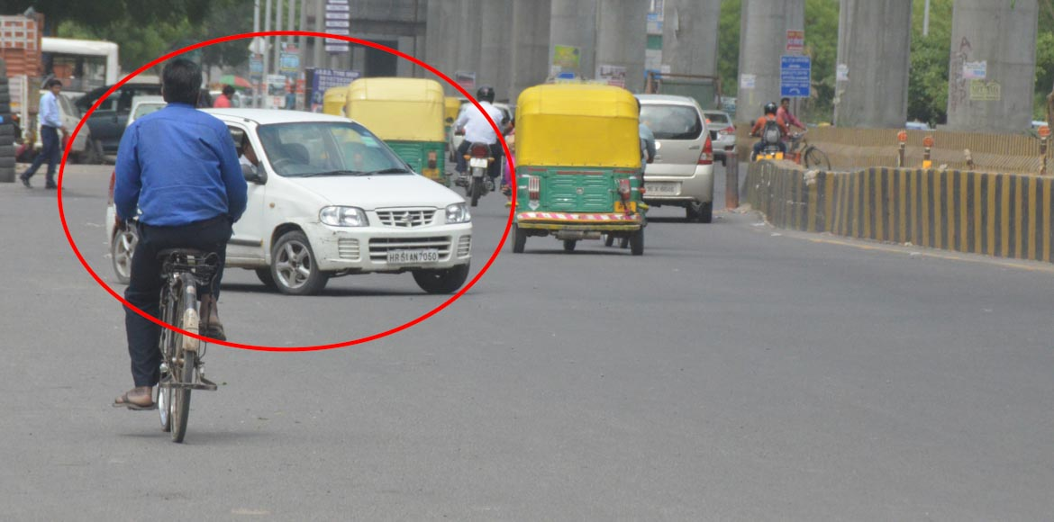 Noida: Irreverence towards rules grows; wrong side driving causes traffic chaos