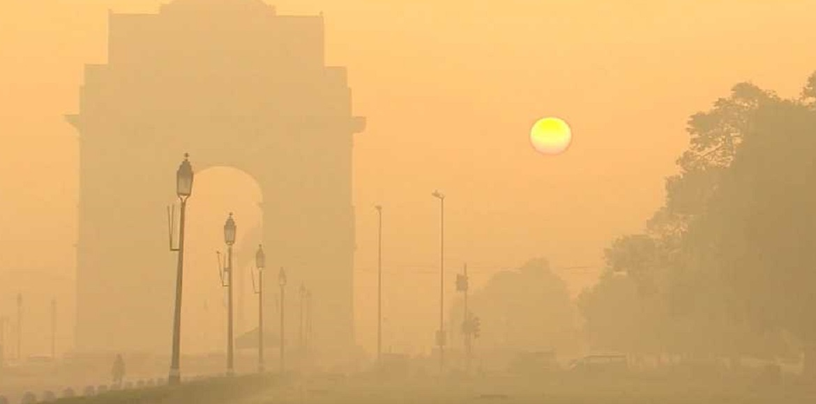 People gasp for breath as severe dust pollution engulfs Delhi