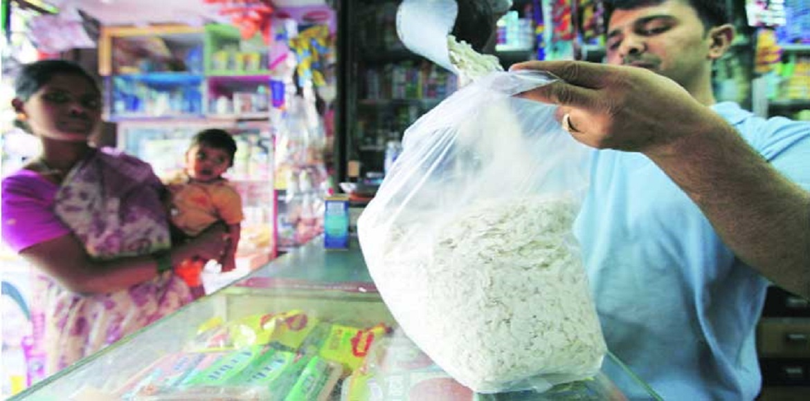 MCG carries out drive against polythene bags; levies fine against 40 shopkeepers