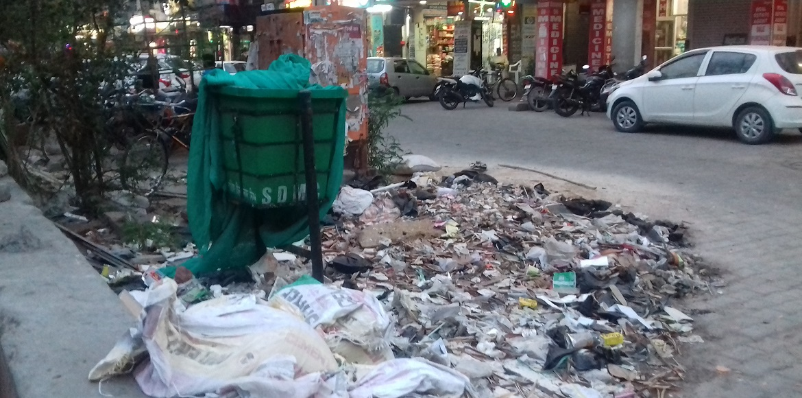 Dwarka: Ignorant residents, SDMC make mockery of waste management
