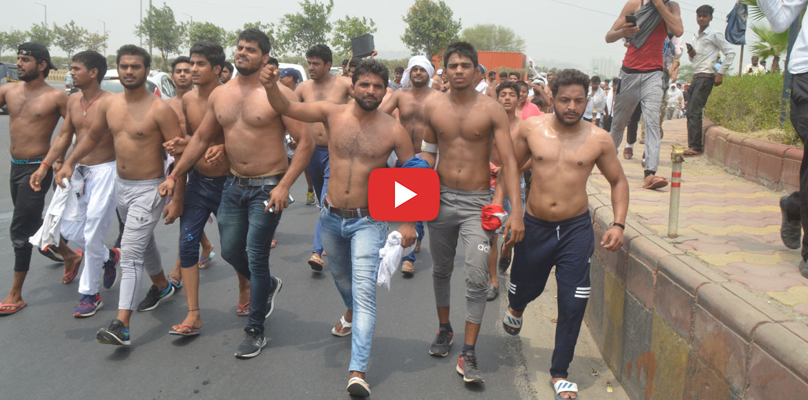 Residents stage novel protest against Noida Authority, remove shirts