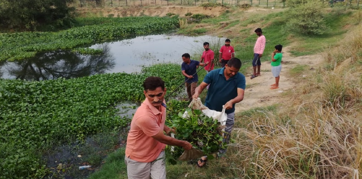 Dwarka: People make effort to revive water body at