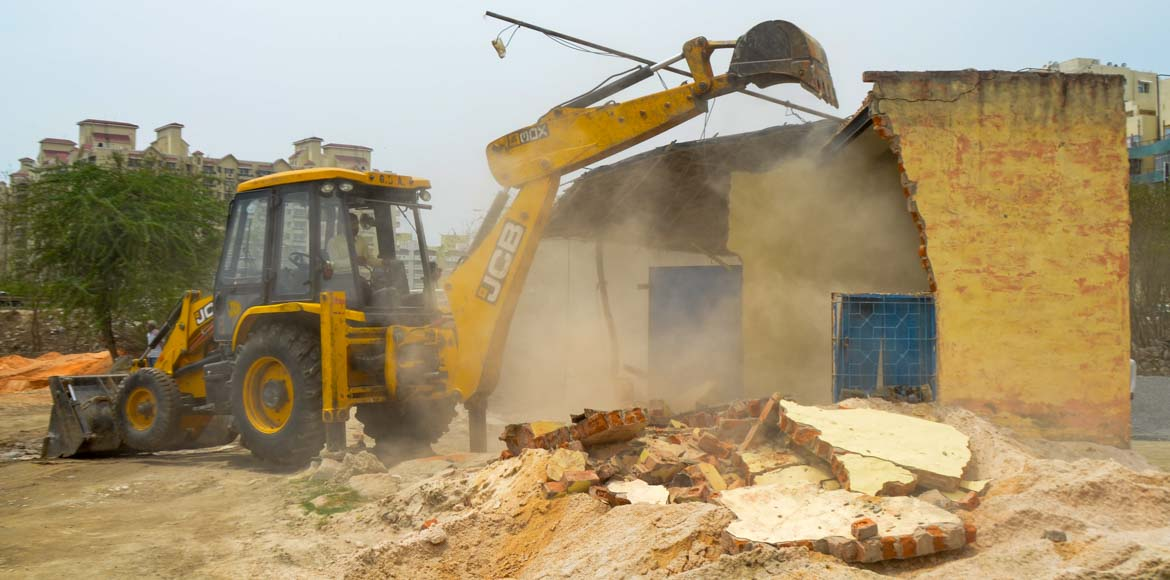 Huda removes farmhouse at alignment of Dwarka Expressway