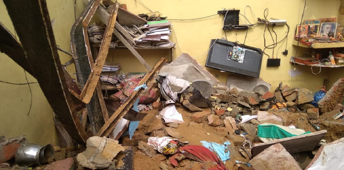 Dwarka: Couple dies after roof collapse of house,