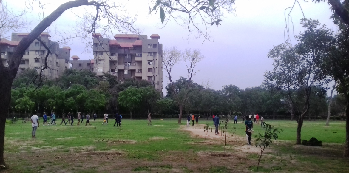 Lack of open play areas in Dwarka forces kids to play in parks