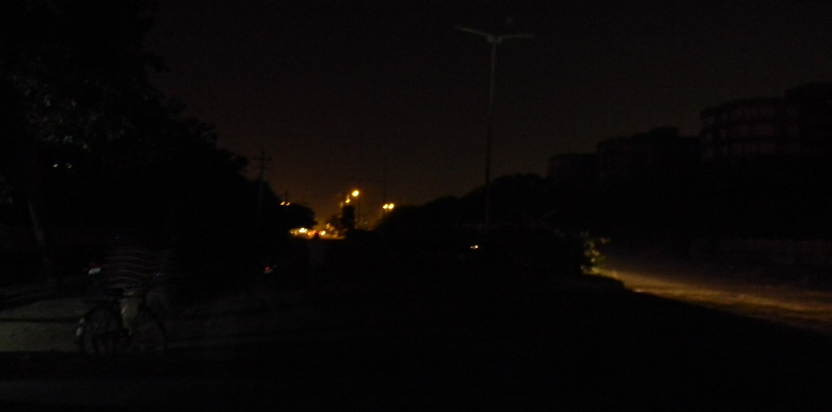 Dwarka: Faulty streetlights a perennial problem; situation conducive to crime