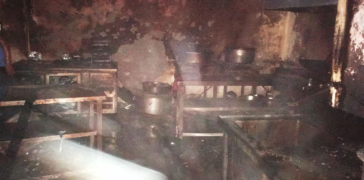 Fire breaks out in a restaurant of Jaipuria Sunris