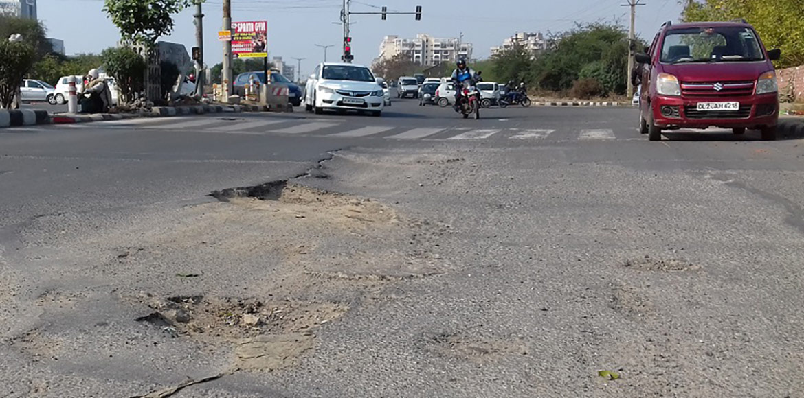 PHOTO KATHA: Potholes, potholes everywhere... not a patch to walk!