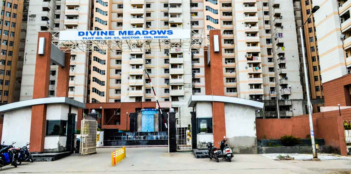 Noida: Divine Meadows' disputed club house gate opens after police intervention