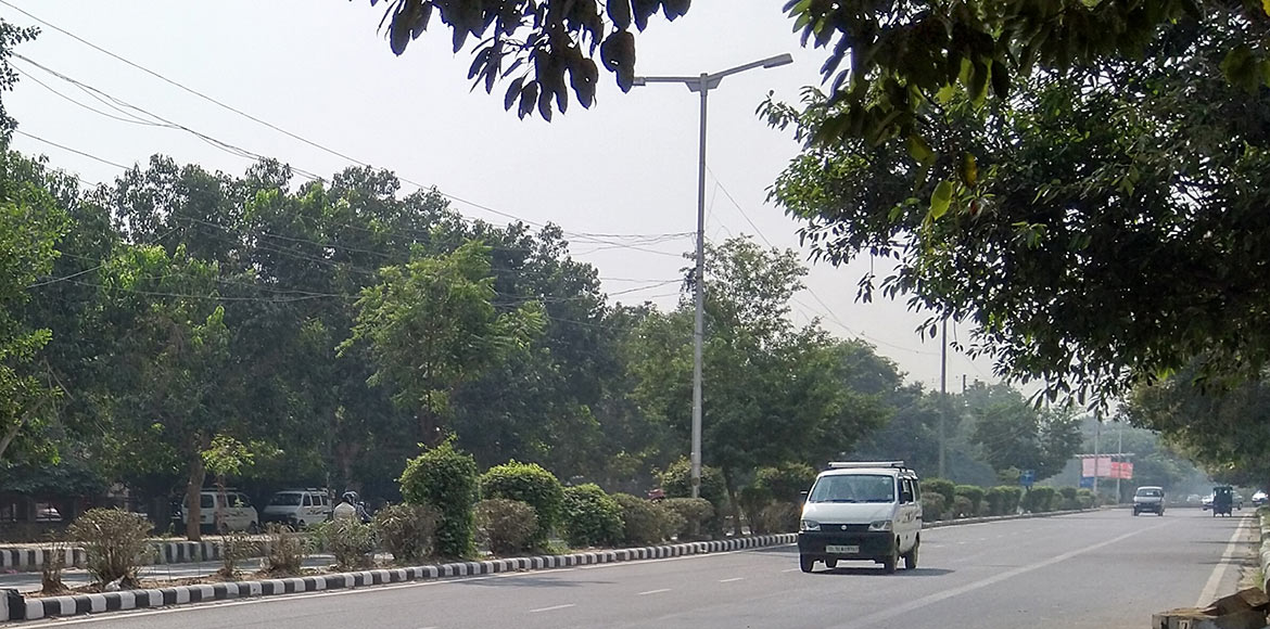 Severe air pollution level persists in Dwarka; people avoid morning walks