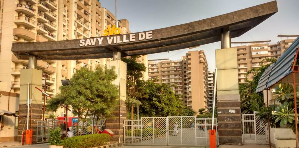 Residents of Savy Ville De in Rajnagar Ext unite against the builder