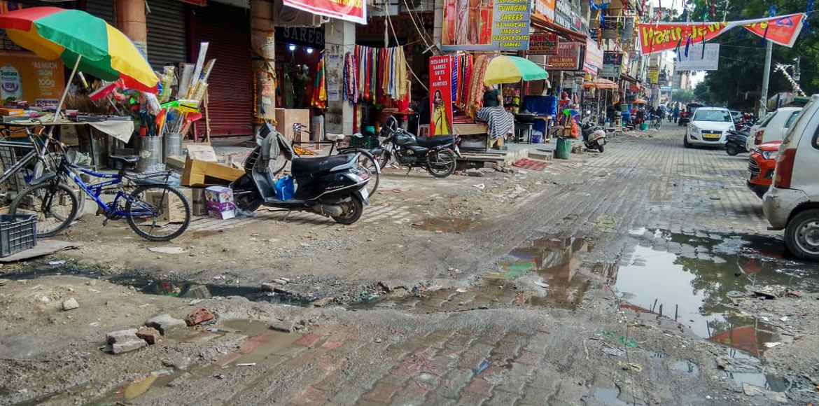 Dwarka's Sector 4 market turns into a garbage-strewn dump