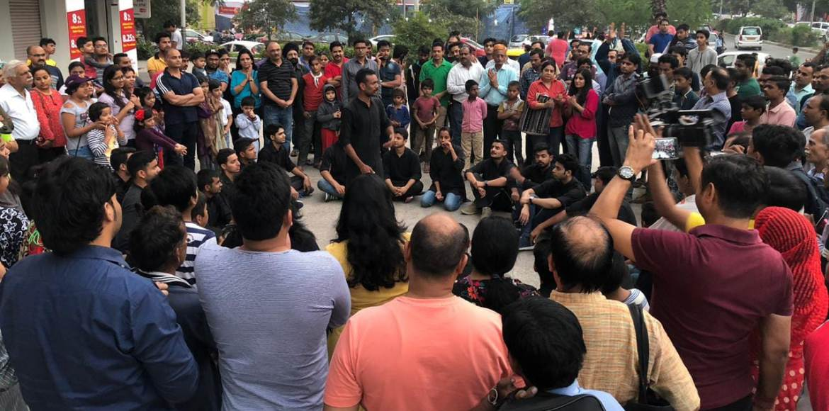 Street play on pollution and its control at Crossings Republik grabs attention