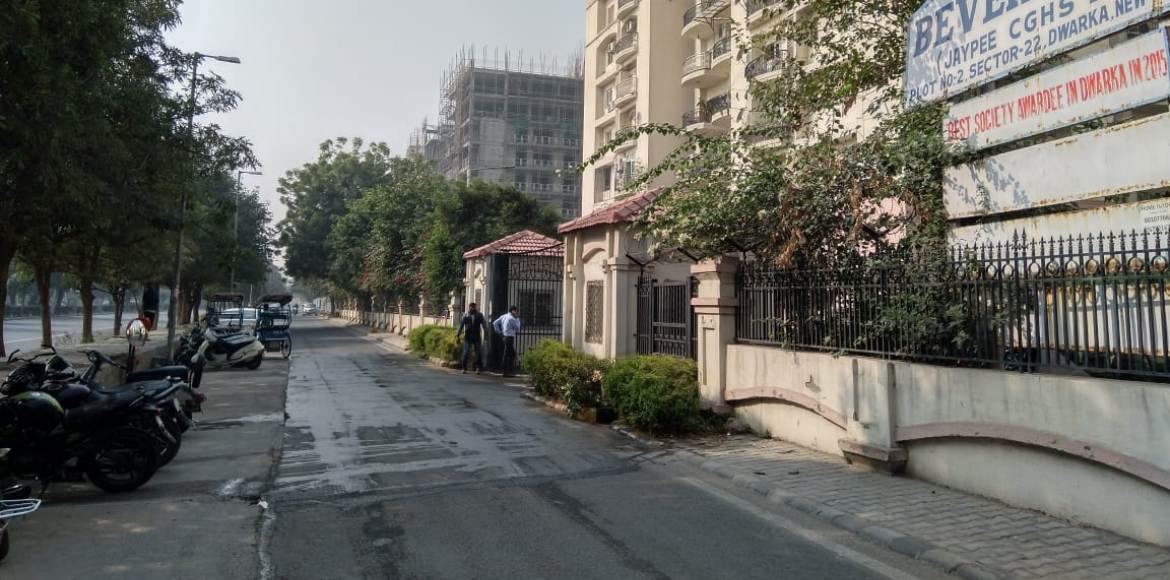 Car snatched at gunpoint in front of Jaypee CGHS in Sector 22, Dwarka