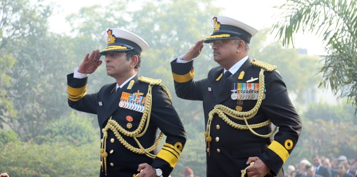 Emotions run high as army personnel pay homage to martyrs with pomp and splendor