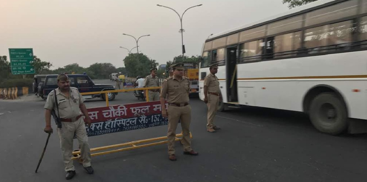 Noida: 24 vehicles fined in a drive against traffi