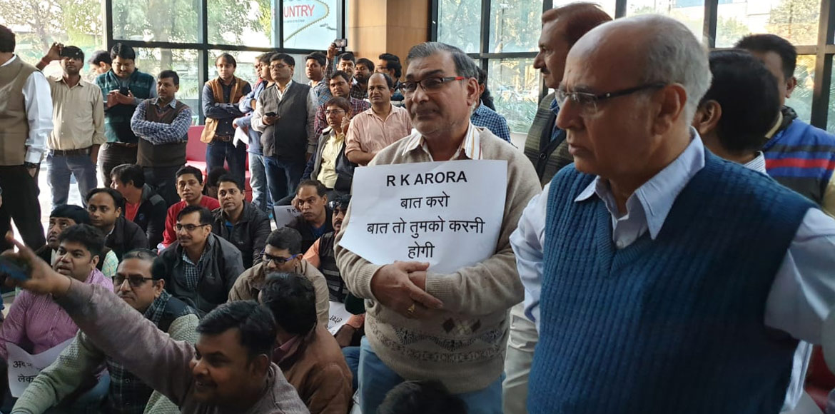 Miffed residents, aggrieved buyers hold protest inside Ecovillage 1's office