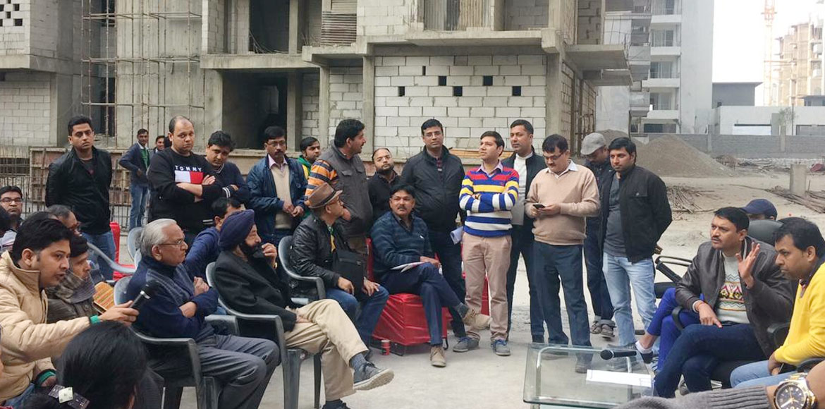 Flat buyers complain delay in possession at Mascot Manorath