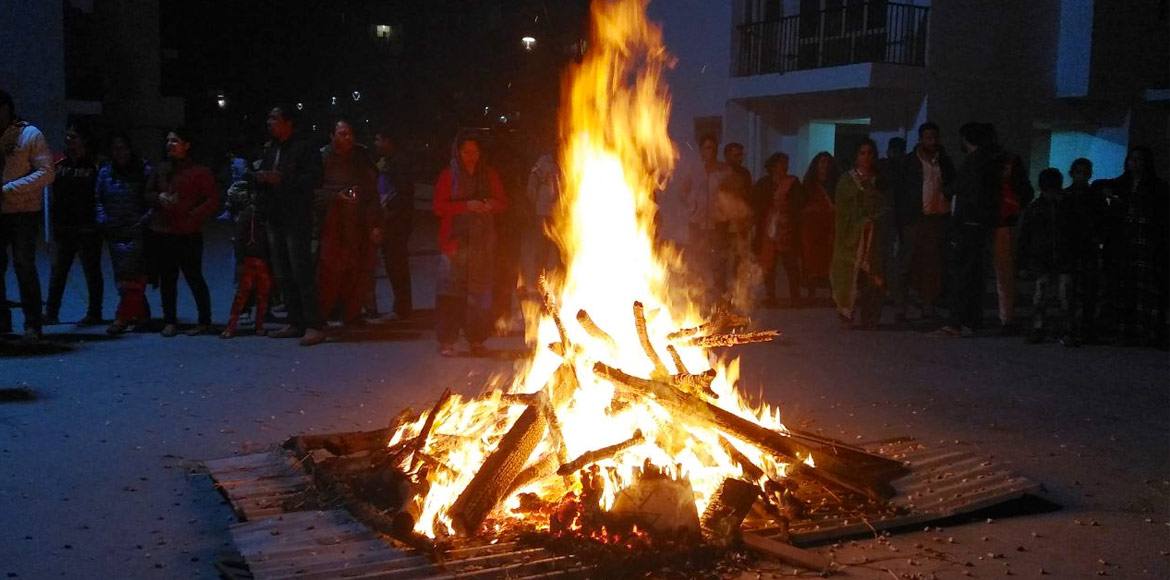 Dwarka celebrates low-key Lohri; fest held with po