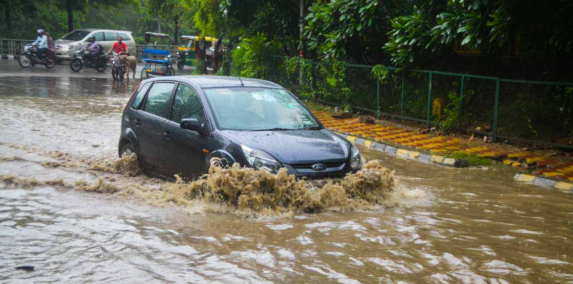 Commuters hit as incessant rain creates traffic jams across Noida