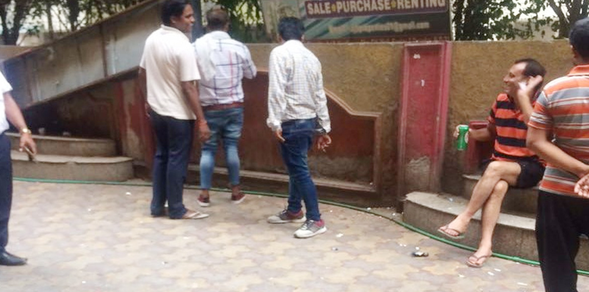 Liquor shop in Dwarka's Sector 7 becomes a nuisance for residents