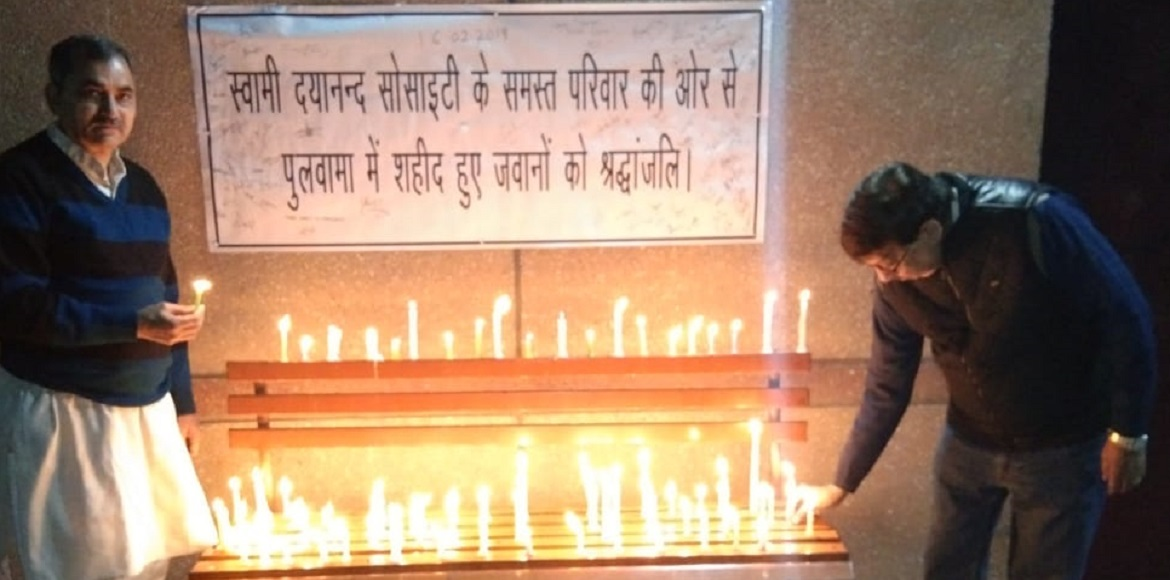 PHOTO KATHA: Dwarka pays homage to soldiers who died at Pulwama