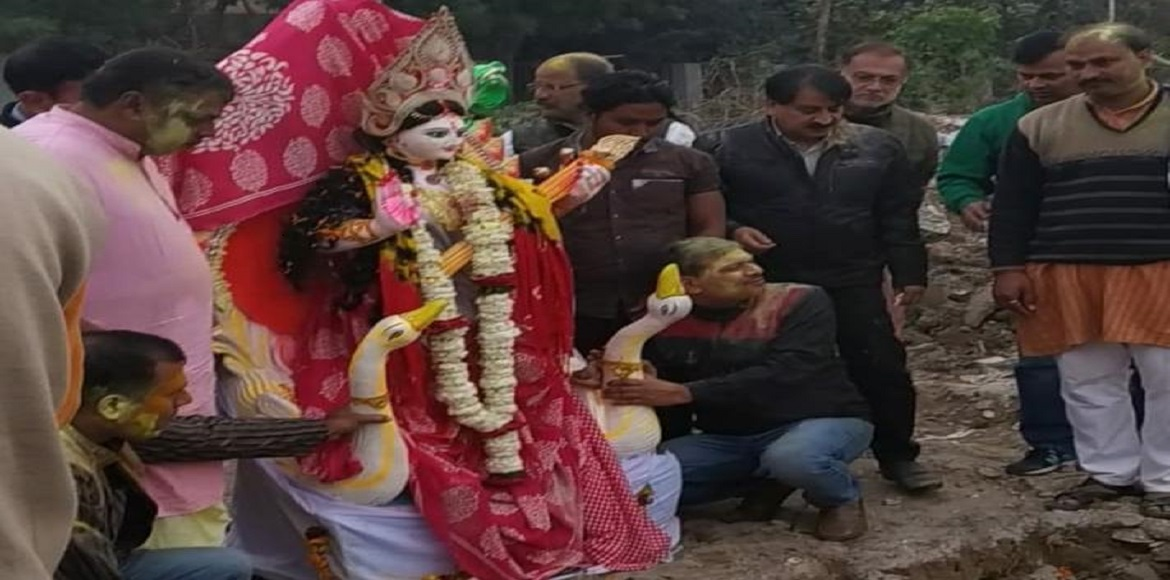 Saraswati Puja: Dwarka residents opt for eco-friendly immersion