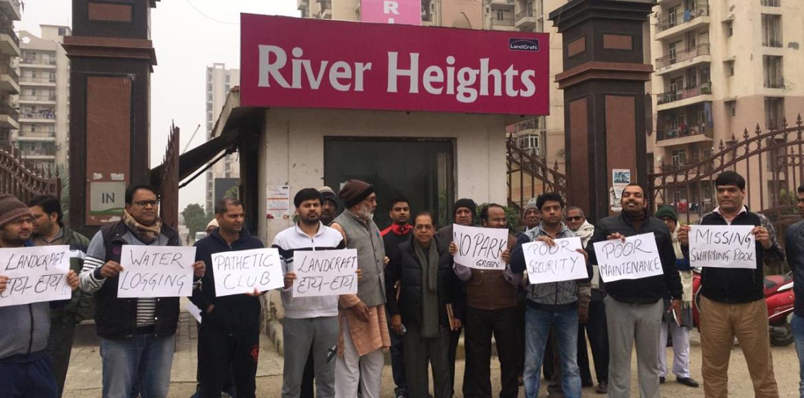 Gzb: River Heights residents carry out protests against builder