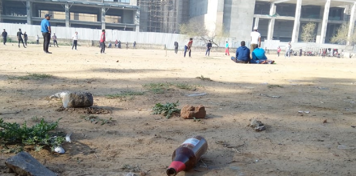 Dwarka: Temporary play area becomes drinking spot; causes serious threat to kids