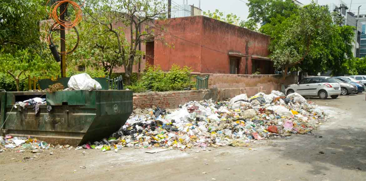 Garbage issue: Residents of Noida Sec 62 avoid morning, evening walks