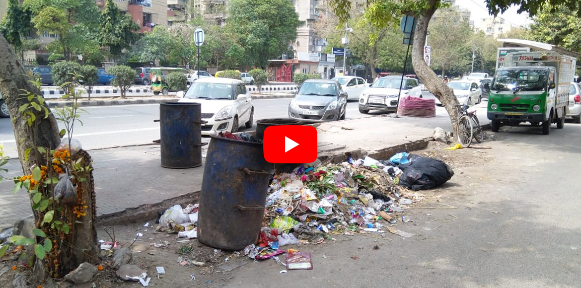 Watch: Scattered garbage becomes common sight at Sec 4 market in Dwarka