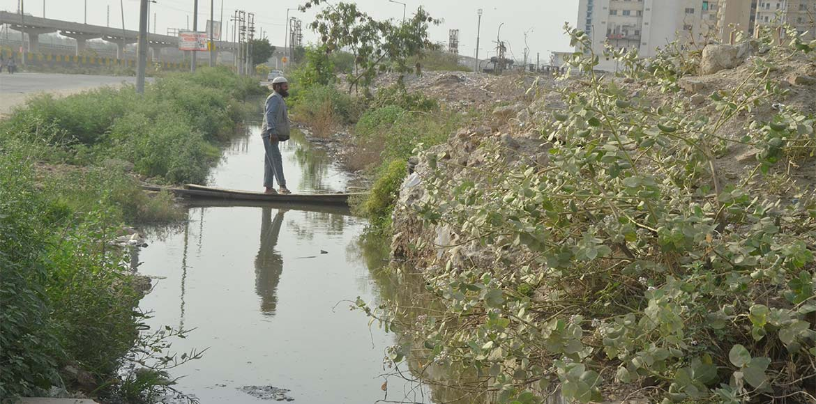 Noida Authority starts cleaning of drains well ahead of monsoon