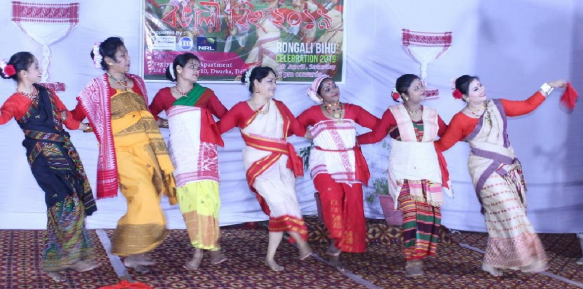 PHOTO KATHA: Bihu celebrated with traditional flavours at Dwarka