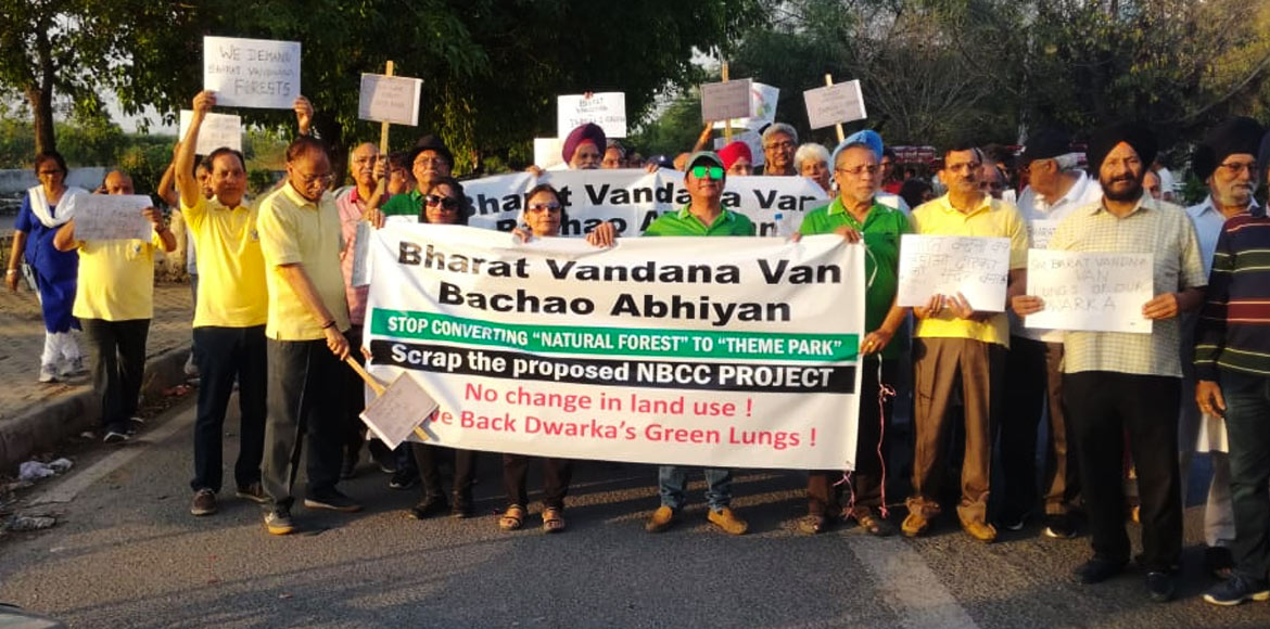 Dwarka residents form human chain to protest again