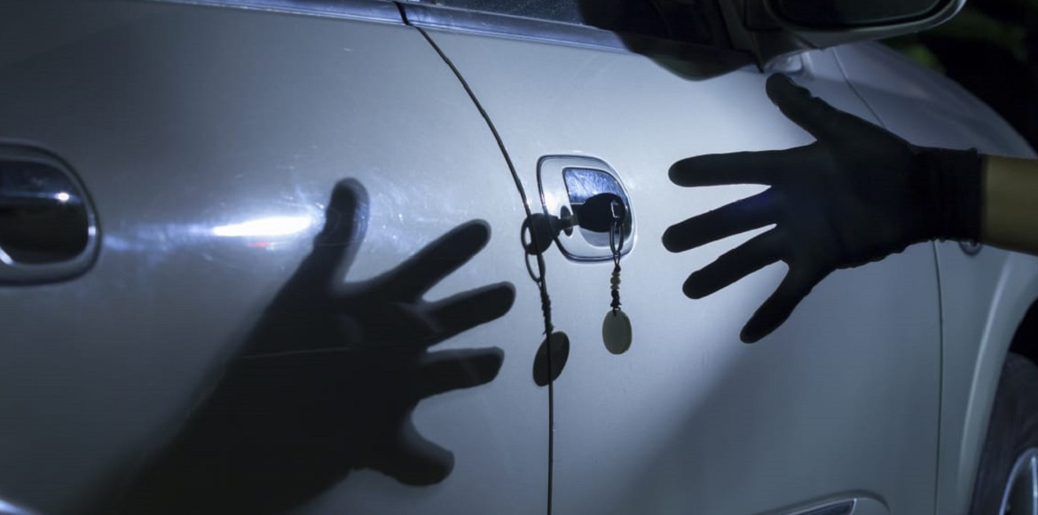 Noida: Car stolen from outside Antriksh Golf View