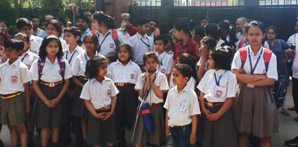 Gzb: Jaipuria School students stopped from enterin