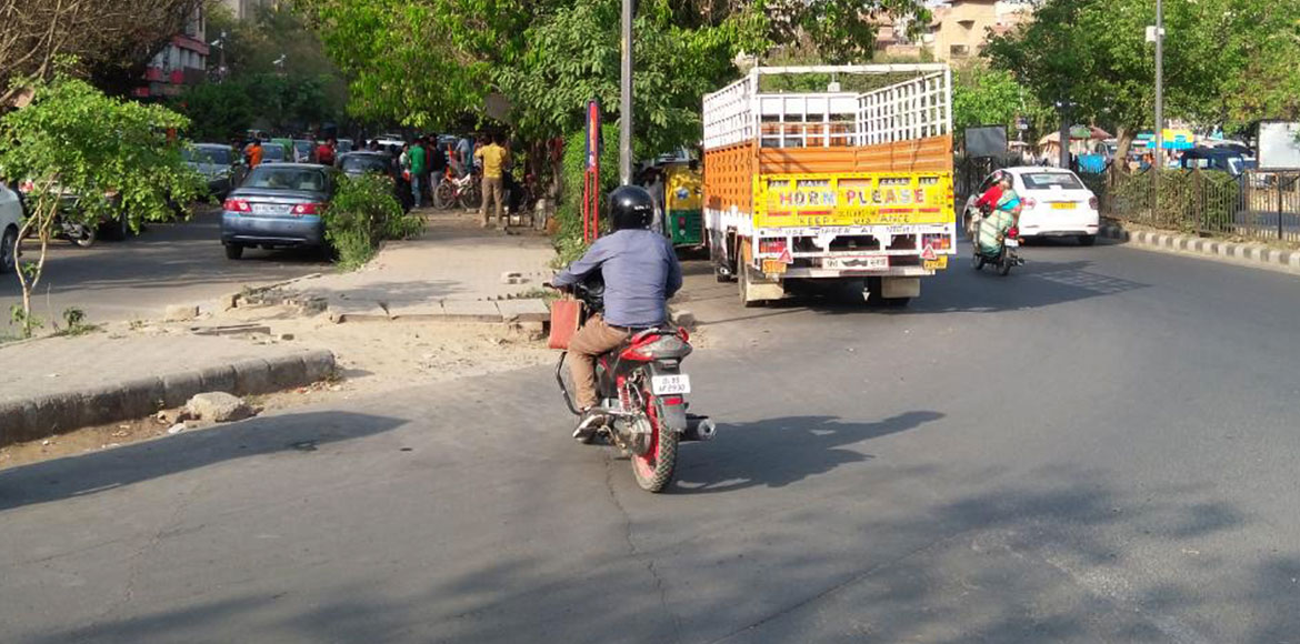 Dwarka: Road cuts on dividers risk commuters' lives; residents demand closure